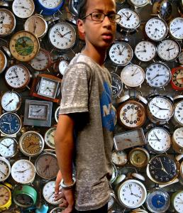 clockmaker-bomb-irving